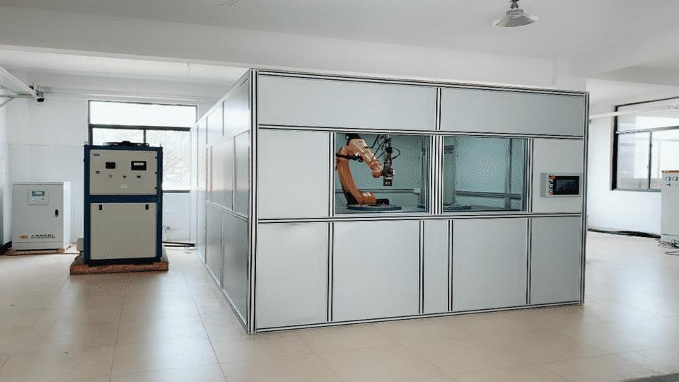 中国一汽-托臂做自动化焊接工作站